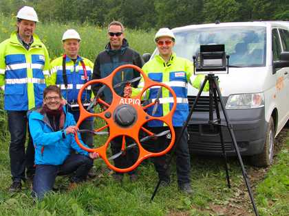ALPIQ mette in volo un drone per controllare le linee elettriche